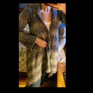 MAX STUDIO SPECIAL PROD BELL SLEEVE CARDI SWEATER
